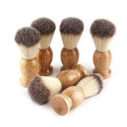 Vente en gros Barber Hair Rasage Brosses Brosses En Bois Naturel Poils En Nylon Brosse À Barbe Pour Hommes Meilleur Outil De Coiffure De Cadeau 3006039