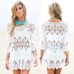 Barato Rendas Chiffon Tops Vestidos-New Summer Swimsuit Lace Hollow Crochet Praia Bikini Cover Ups 3/4 Sleeve Mulheres Tops Swimwear Beach Dress Branco Beach Tunic Camisa