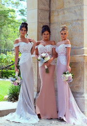 $enCountryForm.capitalKeyWord Australia - 2017 New African Mermaid Bridesmaid Dresses Long For Weddings Short Sleeves Off Shoulder White Lace Appliques Plus Size Maid of Honor Gowns
