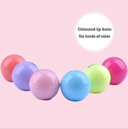 Fruit Lipstick Canada - 3D Lip Makeup Ball Lipstick Moisturizing Lip Balm Natural Plant Sphere 6colors lip Care Pomade Fruit Embellish