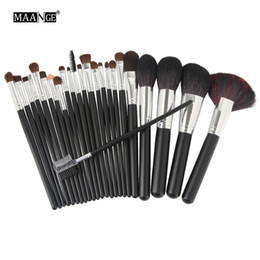 Chinese  24pcs Professional Natural Goat Hair Makeup Brushes Set Power Contour Concealer Blush Eyeshadow Lip Beauty Brush with Nylon Case manufacturers