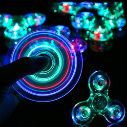 2017New LED Fidget Spinner Bonne conception et Spinner à la main en plastique Triangle Leaf Spiners Crabe de crapaud Anti-Anxiété Décompression Toys EDC
