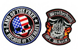 Detalles Chaqueta Baratos-Alta calidad 2 unids / set US Skull Iron On Patch Motorista Biker Club MC chaleco chaqueta frontal parche bordado detallado envío gratis