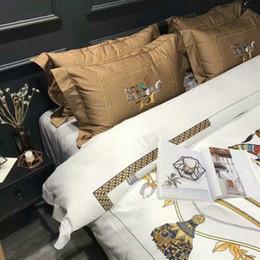 $enCountryForm.capitalKeyWord Canada - Very Good quality cotton sheet set  print Horse bedding satin king comforter Cover flat Sheet Pillowcases