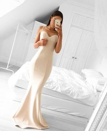 Robe En Satin Satin Spaghetti Pas Cher-New Arrival White Satin Sweetheart Mermaid Robes de bal 2017 Spaghetti Straps Zipper Back Robes de soirée Custom Made