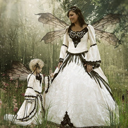 Garden Fairy Wedding Dress Canada - Vintage Fairy Wedding Dress Ball Gown Gothic Victorian Bridal Gowns with Bell Sleeves Scoop Neck Lace-up Back Black Lace Appliques