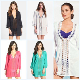 Barato Vestidos De Bikini Profundo V-Bikini Cover Ups Hollow Out Moda Blusa Mulheres Deep V-Neck Wrap Sexy Beach Dress Lace Floral Beachwear Crochet Poncho Playsuits D497