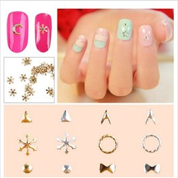 Ongles Patch Or Pas Cher-50pcs / bag Manicure Ornaments Metal Gold Silver Moon Nail Patch 3D Nail Art Wheel Metal Manucure DIY Ornements Cheap Wholesale 16 Styles