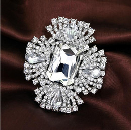 Big Fashion Flowers Brooch Canada - Top Luxury Clear Rhinestone Crystal Brooches Big Diamond Glass Fashion Full Rhinestone Flower Brooch Pins Bridal Wedding Corsage Jewley