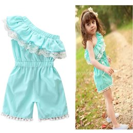 Dentelle De Garçon Pas Cher-Ins 2017 Summer Baby Girls Rompers Cute Pom Pom Lace Ruffles One Shoulder Mode Combinaisons Vêtements de survêtement Toddler E17222