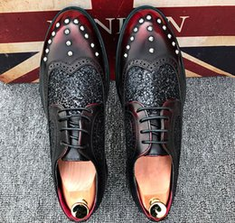 $enCountryForm.capitalKeyWord Canada - Men luxury British Designer Vintage rivet Oxford Flats formal Shoes Male Dress Homecoming Wedding Prom party groom shoes AA456
