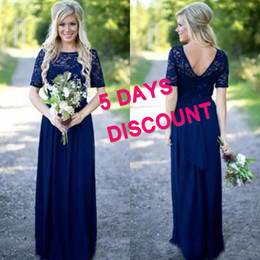 Barato Vestidos Formais Estilo Modesto-Estilo country Royal Blue Long Vestidos de dama de honra Popular Illusion Bateau Neck mangas curtas Modest Weddign Party Guest Formal Gowns