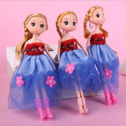 $enCountryForm.capitalKeyWord Australia - 26CM Princess Girl Dolls Confused Doll Popular Dolls Key Chain Wedding Bride Doll Girl Fashion Creative Girl Gifts Toys