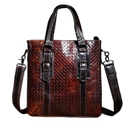 Chinese  2017 Luxury Fashion Weave Men's Business & Party Briefcase Shoulder Bag Genuine Leather Messenger Bag Portfolio Men Bolsa CH060 manufacturers