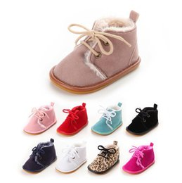 Barato Sapatas Mornas Da Pele Dos Miúdos-Atacado - New Keep Warm Red Winter Plush Solid Recém-nascido Baby Girls Kids First Walkes sola sola de pele de bebê sapatos botas de renda