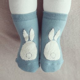 Boys Toddlers Socks Canada - Toddler Kids Socks Girls and Boys Soft Non-slip Socks Fur Bunny Printed Boot Cuffs Baby