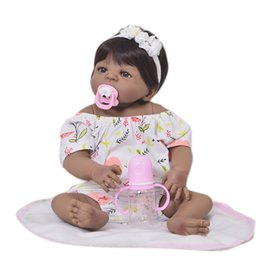 Collection 23 pouces Reborn Baby Doll Full Body Silicone 57cm Réal Black  Skin bébé poupée Fille Enfant Cadeau D anniversaire Faux Bébé Jouet 86bab7d4052