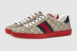 15d78d1d845 Homens da marca de couro de vaca sapato de skate Sapato de Lona Plana moda  Ace Bordado Low-Top Sneaker Formadores Esporte Casual Sapato de Rua Branco