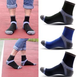 Couple football online shopping - Athletic Socks Men Sports Socks Cotton Couple Casual Socks High Quality Cheap Support FBA Drop Shipping G508S