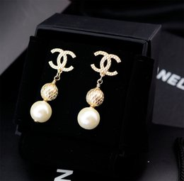 rainbow titanium jewelry 2019 - Top Quality Women Letter diamond Pendant Earrings Rainbow color Fashion Metal crystal Pearl Earring Jewelry With Box che