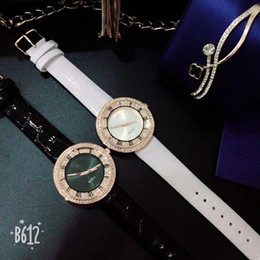 Discount new trendy watches - Luxury women quartz watches with fashion trendy candy leather belt designer robrand ladies youth student wristwatch mont
