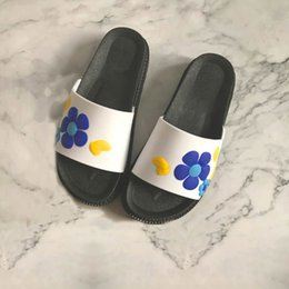 $enCountryForm.capitalKeyWord Canada - New Fashion Summer Women Slippers Open Toe Flower Decor Flat Heels Ladies Shoes Summer Indoor Outside Beach Shower Women Slides