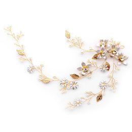 european wedding hair accessories 2019 - European and American brides ornaments flowers pearls exquisite hairbands headdresses bridesmaids wedding hair accessori