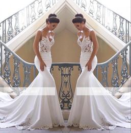 Venta al por mayor de 2019 correas espaguetis encaje sirena vestidos de novia satinado encaje apliques barrido tren boda vestidos de novia BC0190