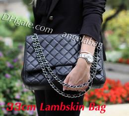 Vente en gros Livraison gratuite 33cm grand sac à bandoulière en cuir noir en peau d'agneau double rabats Maxi sac 58601 marque sac à main avec sac à poussière