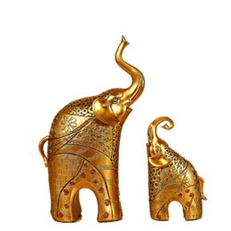 european curtains UK - SaiDeKe European Golden elephant Figurines lucky living room crafts Miniatures wedding gift for Home decor accessories