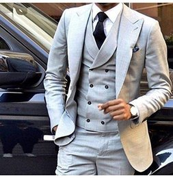 Discount grey mens suit wedding party - Custom Made One Button Light Grey Wedding Groom Tuxedos Peak Lapel Groomsmen Mens Business Party Suits (Jacket+Pants+Ves