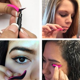 Gel Eyes Liner Australia - 2018 New Eyeliner Stamp Eyeshadow Cosmetic Easy To Makeup Wing Style Tools Eye Liner Stamping Stencil maquiagem