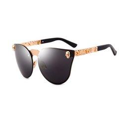 sunglasses skull 2019 - Hot Sell 2018 Unisex Cat Eye Sunglasses Luxury Metal Skull Flower Design Spectacles Men Women Fashionable Glasses Eyegla