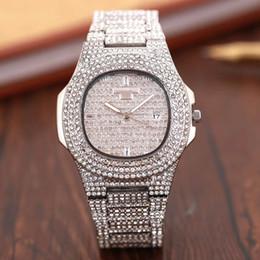 d8b1e32203b0 Nuevo famoso diamante de lujo de cristal Dial pulsera de cuarzo reloj de  pulsera de regalo de moda para mujer mujer oro rosa oro plata venta al por  mayor ...