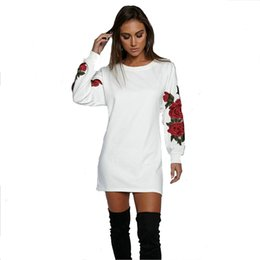 cotton puffed sleeve blouse UK - Women Fashion Tshirt Emboridery Flowers Long Sleeves Cotton T-shirt Women's Blouse Lady Elegant Casual Shirt & Blouse Blusa Woman Clothing