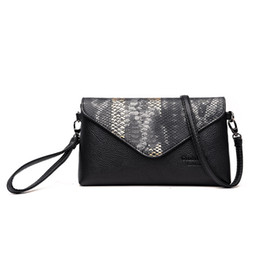 Snake baSketball online shopping - 2018 Leather Women Clutch Bag Snake Pattern Design Wallets Fashion Outdoor shoulder bags Female Casual Fashion High Quality Crossbody Bags