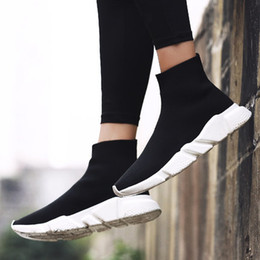 Drop Shipping 2018 Fashion Women Men Sock Running Shoes mens Black and Red  Speed Trainer Sports Sneakers Casual basketball shoes 36-45 b46e610e0
