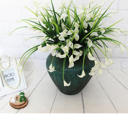 Fake Lilies Flowers Canada - Mini artificial calla with leaf silk fake lily Aquatic plants home room decoration flower New beautiful 25 heads bouquet