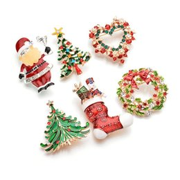Plates Gift Europe UK - New accessories in Europe and America Christmas Day wreath brooch Santa Claus Christmas tree clothing pin ornaments