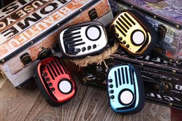 Wholesale Bluetooth Speaker A4 Retro Radio with TF card Hands free calling music player Speaker For iphoneX S9 S9 plus Xiao mi