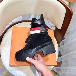 $enCountryForm.capitalKeyWord Canada - 2018 new arrival Luxury designer boots Women Desert Boot chunky heel Martin shoes Print Leather Platform Desert Lace-up Boot 5cm 21 colors