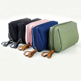 China Waterproof nylon women cosmetic pouch bag brushes, lipstick organizer storage make up zipper bag hand bag suppliers