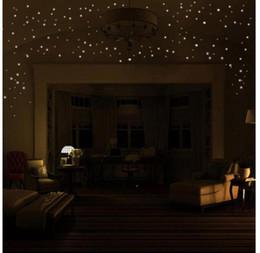 Vente en gros Ventes chaudes 407pcs brillent dans l'étoile sombre Stickers muraux Point rond Lumineux Enfants Chambre Décor Vinilos Decorativos Chambre Décoration.