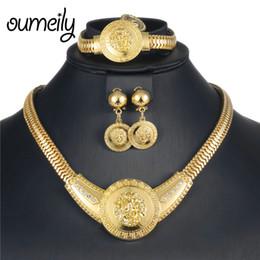 d6c51256adbd OUMEILY 2018 Conjunto de joyas de león Redondo indio Dubai Dubai Perlas  africanas Conjunto de joyas Conjunto de collar de joyas de traje de color  oro