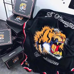 Wholesale Creative Design Tiger Head Black Solid Blankets Single Bed Flannel Blanket Fashion Christmas Gift Coral Fleece Blankets CM
