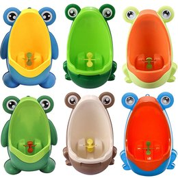 $enCountryForm.capitalKeyWord NZ - Cute Hook Frog Baby Potty Training WC Child Boy Toilet Seat Portable Plastic Kid Infant Potties Wall Mounted Urinal for Children
