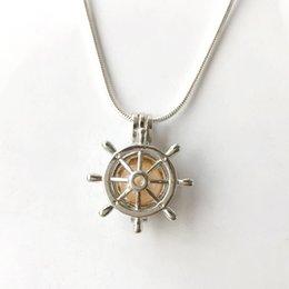 Vente en gros Le montage de pendentif de cage de gouvernail 18KGP, peut contenir des accessoires de collier pendentif perle perle Cystal Gem belle charmes