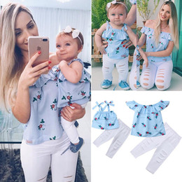 $enCountryForm.capitalKeyWord Canada - Summer Family Matching Mother Daughter Floral Print Striped Sleeveless Tops Hole Pants Clothes Mom Girl Kid Family Look Clothing