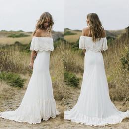Short bohemian beach wedding dreSSeS online shopping - 2018 Vintage Boho Wedding Dresses Off The Shoulder Sweep Train Short Sleeves Cheap Beach Bohemian Bridal Gowns Plus Size