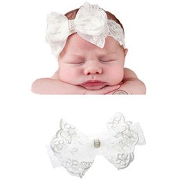 BaBy girl wedding headBands online shopping - New Hair bows White Lace Headband Wedding party Hair accessories for baby girl Pearls headbands Photography